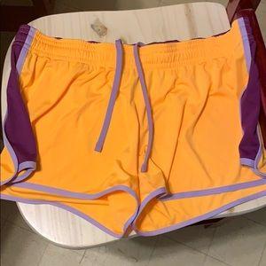 Nike dri fit shorts xl, gorgeous color
